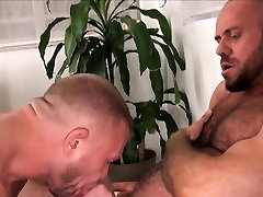 Muscle DILF pakistani father daughter sex scandle before barebacking ass