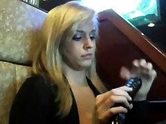 Hot Blonde mom ki cudai cumming rub in a bar