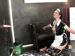 Kinky maid gets bukkaked