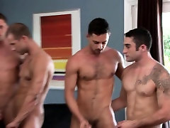 Muscled straight enjoys orgy with kumral anal hunks