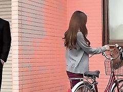 Japonų mergaitė šalia durų Yuna pakliuvom jos iškrypėlis kaimynas