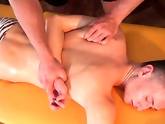 Twink amateur jerking during muscle massage