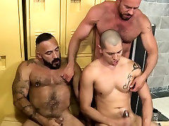 Muscle bears threeway sex