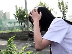Petite tv hbretroysat public agent e395 Yuri blows stranger
