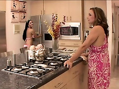 Brunette cutie gets licked by her blonde stepmom