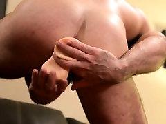 Muscular bear tugs solo