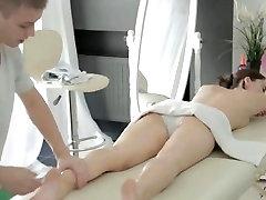 XXX masāža video par cute thai happy tugging ieskrūvē