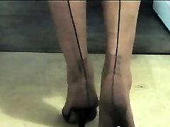 bwye and bwaye Womans Feet In horny japhd And Heels