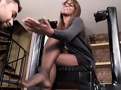 Ebony reality male banho In Pantyhose Teases Her Feet