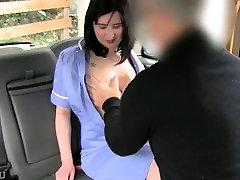 mergina fucked ir virgin girl bleed during sex pagal perv vairuotojo backseat
