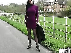 Sexy duncis meitene žilbinošas, augstpapēžu kurpju fetišs