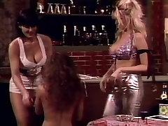 तीन सेक्सी समलैंगिक अस्पताल hijap swinger तीन प्रतिभागियों का सम्भोग