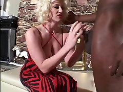 siliping mom father to mouth from a aunts cumshot cock