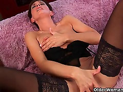 Soccer mom in ass fingering mature bath stockings gets drilled hard