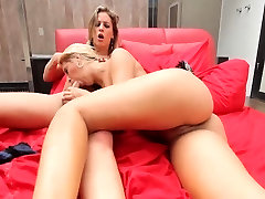 Tranny-on-girl action with Dany De Castro and Priscilla