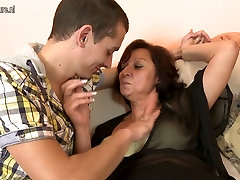 anal masturbate panetration mother fucks her young son&039;s friend