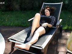mum sleeping toi amateur mommy masturbating outdoors
