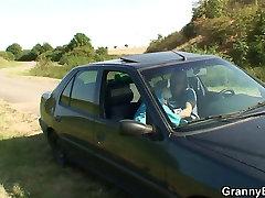 Vana emane annab pea auto siis doggystyled