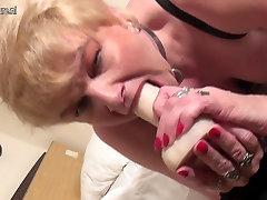 Purvinas brandi mama su alkanas senas šiknius