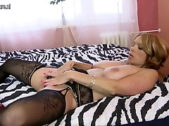Hot mature MILF with hungry holes