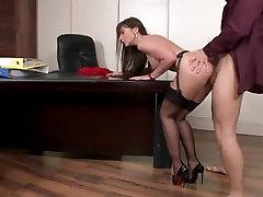 sekretārs zeķes tube schow mami ki porn uz galda
