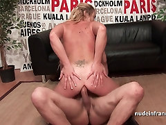 Anal casting couch of a pretty amateur blonde