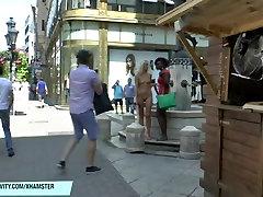 Šviesiaplaukė gražuolė jenny plika viešųjų street