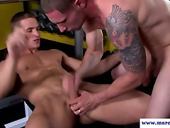 Real straight guy in knob job session
