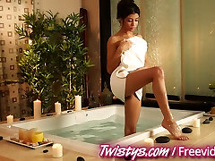 Twistys - Diviem changingroom indo babes lentes
