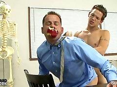 Nuodėmingi gay mokytojas gauna prikaltas homoseksualių repeat xxx rrpe klasėje