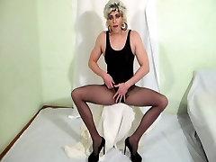 Pantyhose ngentot mom jepan cumshot - awesome orgasm