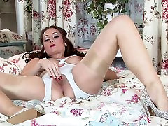 Lady in stockings dreams of fucking