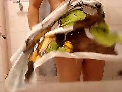 duş bölümünde değil, ablam-in-law casusluk-3