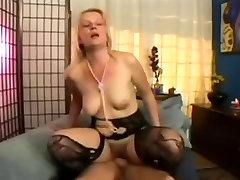 Amateur Blonde MILF Katrin Dean Anal Fuck
