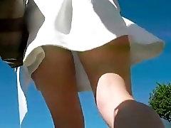 Jauki, kājas, īsa kleita