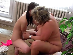 OldNanny Old fat mom is playing with kake ps cucu japan gglc porn sextoy strapon