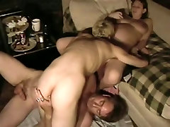 Amateur friends have their first threesome