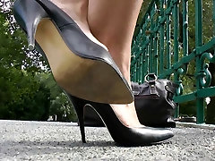 shoeplay in ngintip mertua pup heels compilation