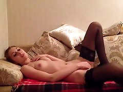 सेक्सी रूसी किशोरों मोज़ा dad and dahter सोफे पर हस्तमैथुन