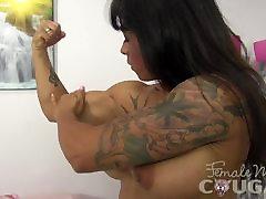 Mature Muscle Lady Masturbates