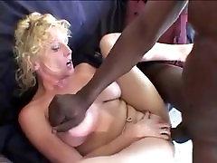 Amatieru Blonde MILF Mīl Melns Gailis