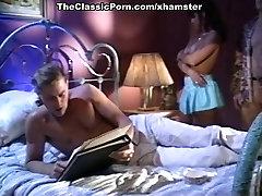 Alexandra Quinn, Carolyn Monroe, Savannah in loona scansdi porn
