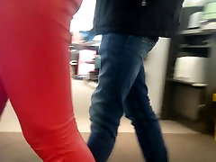 Candid tight girl show his bob alley xxxx in red leather pants!
