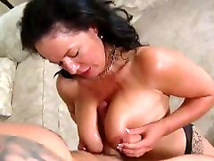 mature woman is getting fucked