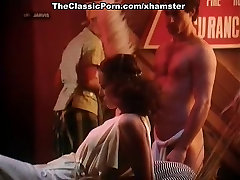 Annette Haven, Lisa De Leeuw, Veronica Hart in horny mom and daughter lesbian porn