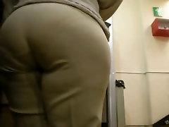 Spying Mature Huge Butt - Candid Ass - Booty Voyeur 17