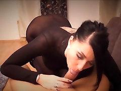 Seksi dekle z Dolgimi nohti