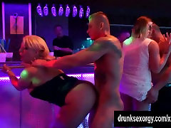 Bi party whores are fucked in sex orgy