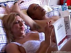 Sexy exidantly sent babe Xena looks fuckable is white suspenders