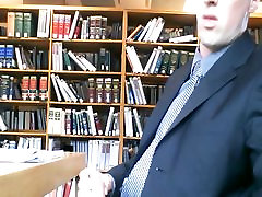 Str8 seachfalda combio jerking at the library